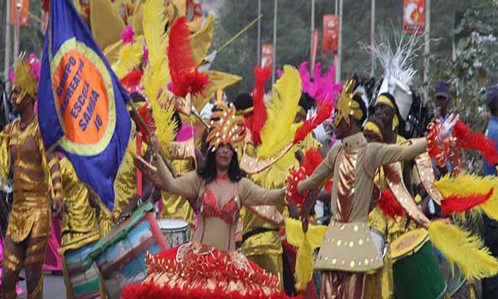 Carnaval/Praia: Grupos oficiais divergem sobre possível redução do número nos desfiles dos próximos anos