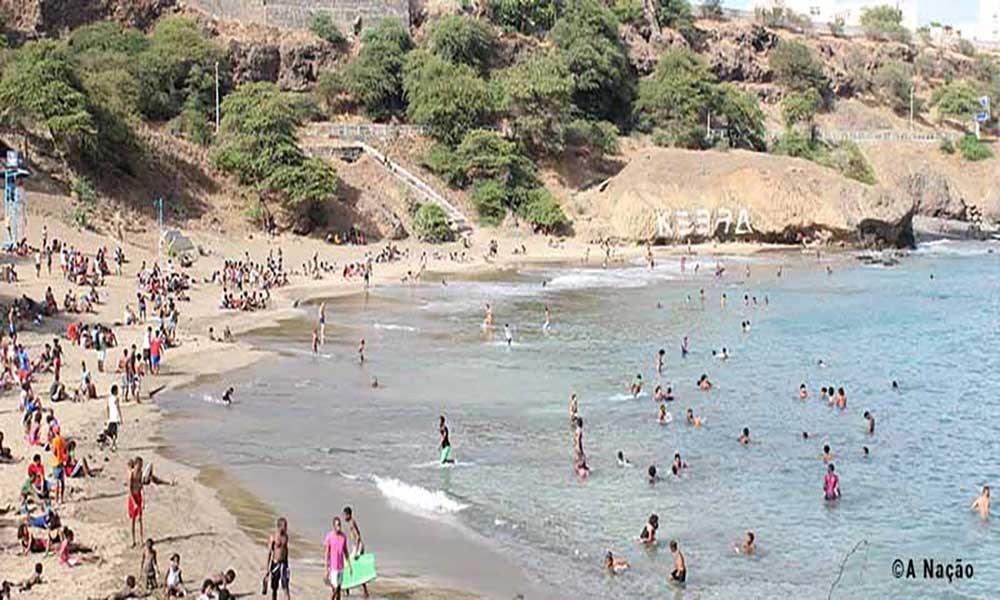 Associação Kebra Canela Beach promove campanha de limpeza naquela praia
