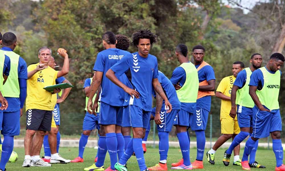 Rui Águas convoca guarda-redes do Benfica B e do Nacional para jogos de Cabo Verde