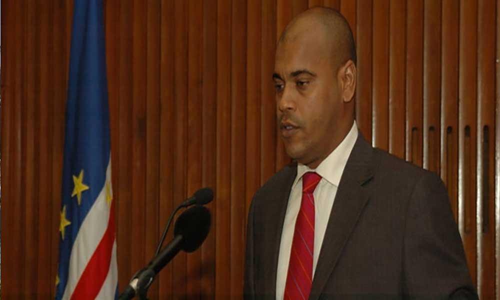 """Novo governador do BCV: """"está-se perante uma trapalhada partidária""""– líder parlamentar do MPD"""