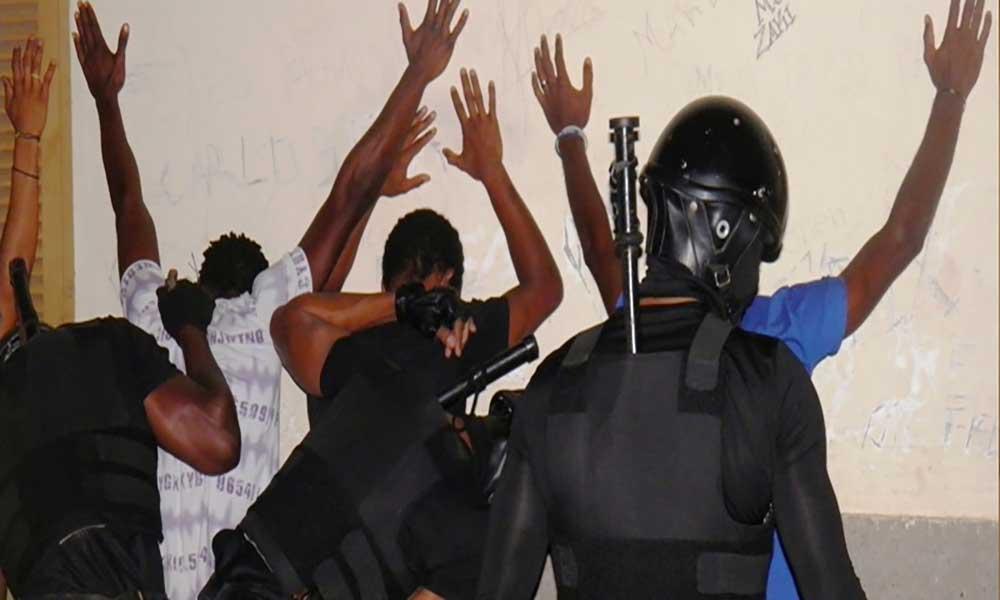 BAC detém membros do grupo West Side