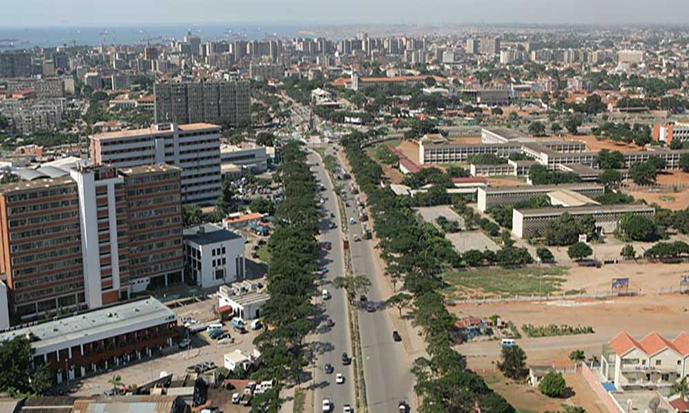 Angola: Governo suspende construção de estradas e equipamentos da área social