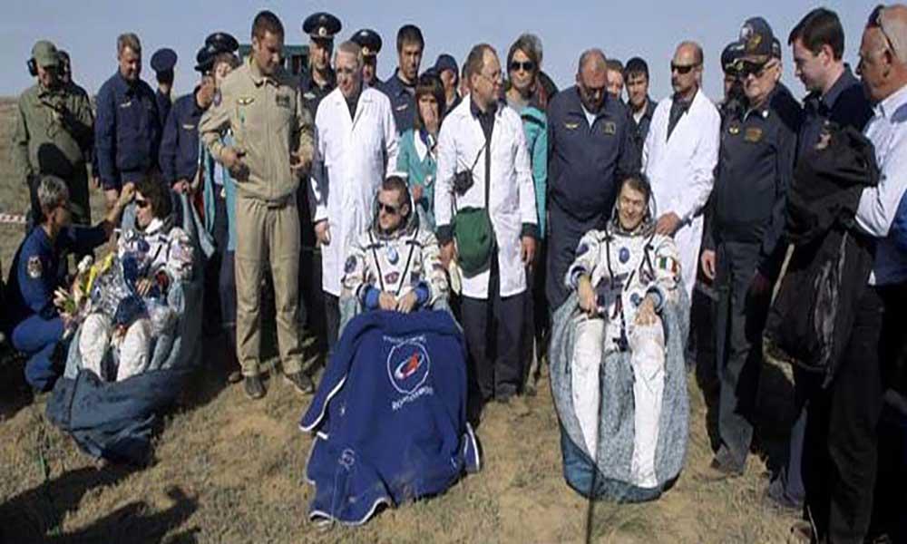 Três astronautas regressam a Terra com aterragem no Cazaquistão