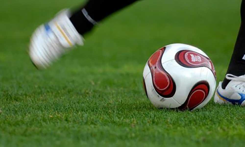 Futebol: Clubes de 2ª divisão de Mosteiros de costas voltadas para Associação de Futebol do Fogo