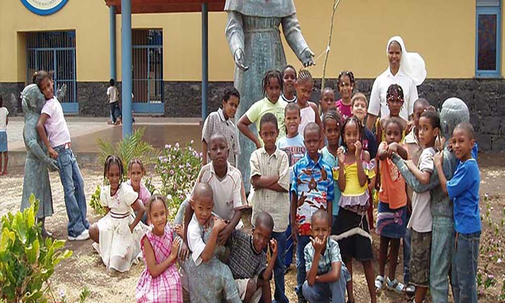 Escola Miraflores promove gala para alunos carenciados