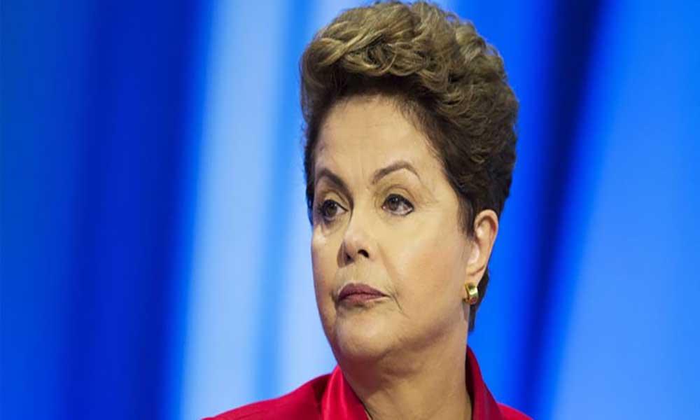 """Dilma Rousseff recebe apoio de grupo de mulheres e diz que tem """"alma lavada"""""""