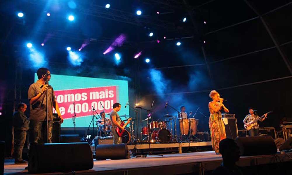 Festival 400 Mil em ritmo de música, vídeo e fogos de artifício