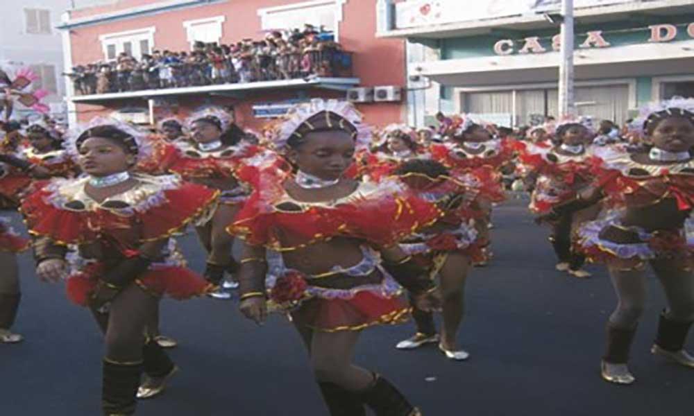 Carnaval em São Vicente movimenta 250 mil contos