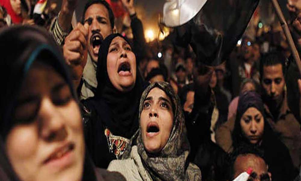 Mulheres sujeitas a violência generalizada tanto em casa como na rua