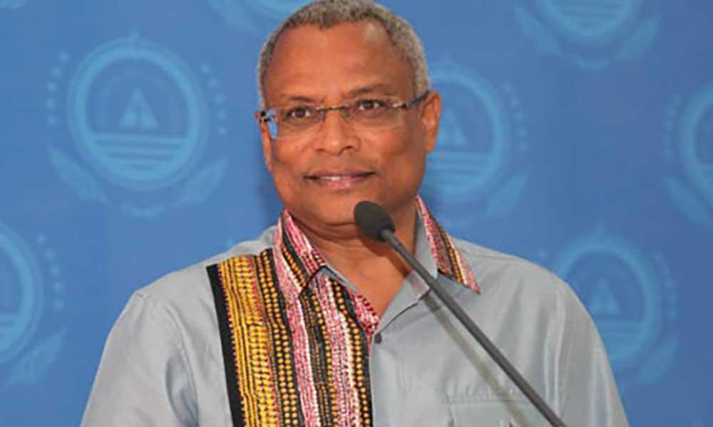 José Maria Neves pede que se aguarde pelo inquérito a ministro das Finanças