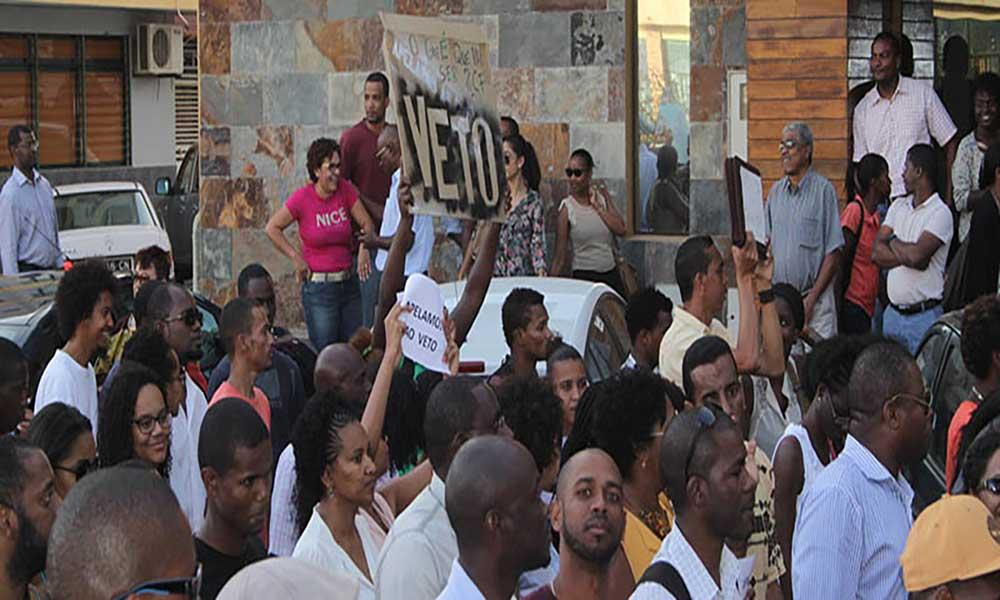 Petição contra estatuto cargos políticos apela veto do PR