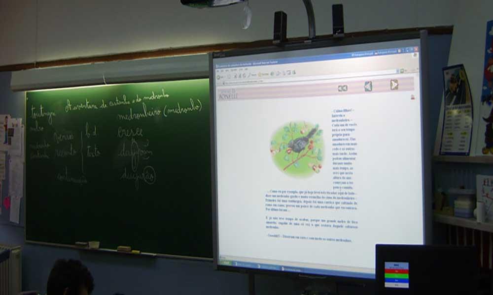 Professores da Boa Vista recebem quadros interactivos