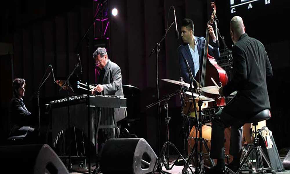 Ron Savage & Trio abre noite KJF