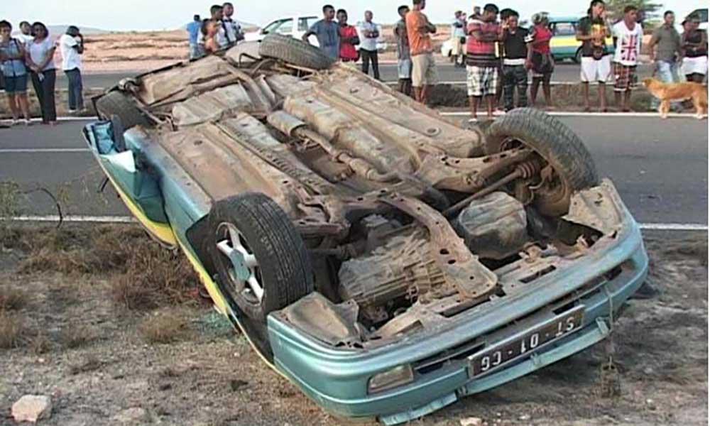 Sal: Jovem morre na estrada que liga Espargos Santa Maria após capotamento do carro
