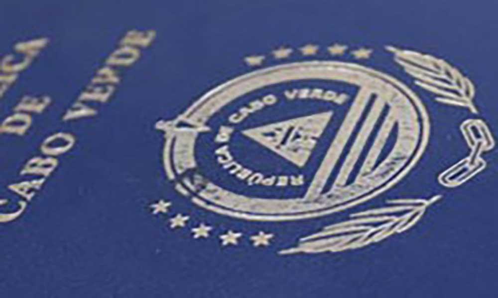 Porto Novo sem serviços de emissão de passaportes desde 2017 - autarca diz que intercedeu junto do Governo