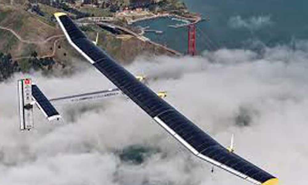 """Mau tempo força avião """"Solar Impulse 2"""" a aterrar no Japão"""