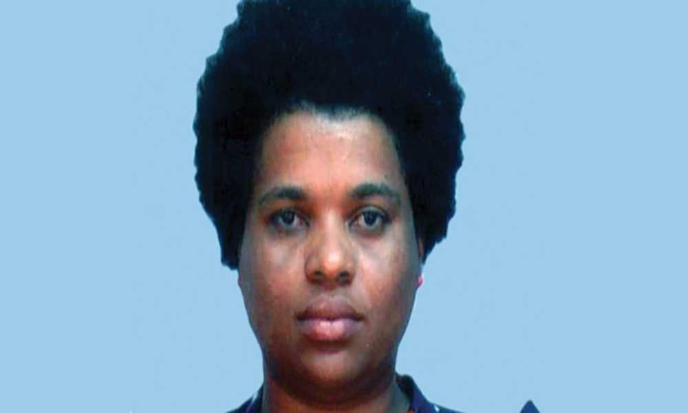 Cabo Verde: (in)dependências num contexto pós-colonial de clientelismo e mimetismo