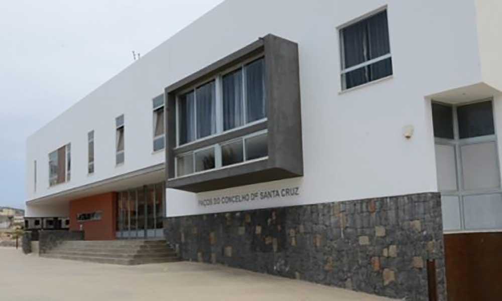Santa Cruz: Câmara autorizada a contrair empréstimo bancário