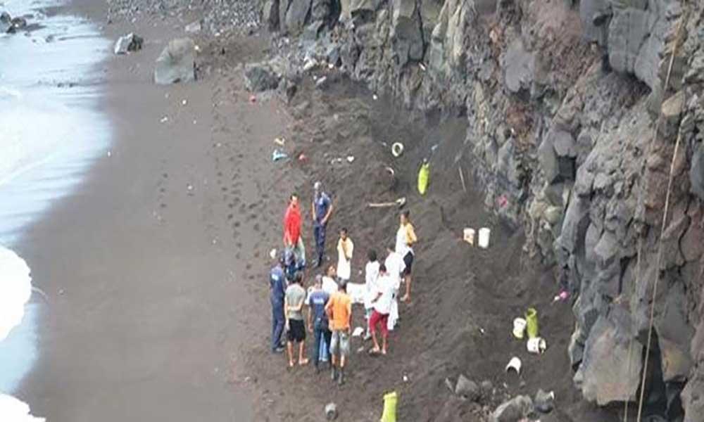 Tragédia nos Mosteiros: Desabamento de rocha mata uma mulher e causa ferimentos em outras duas