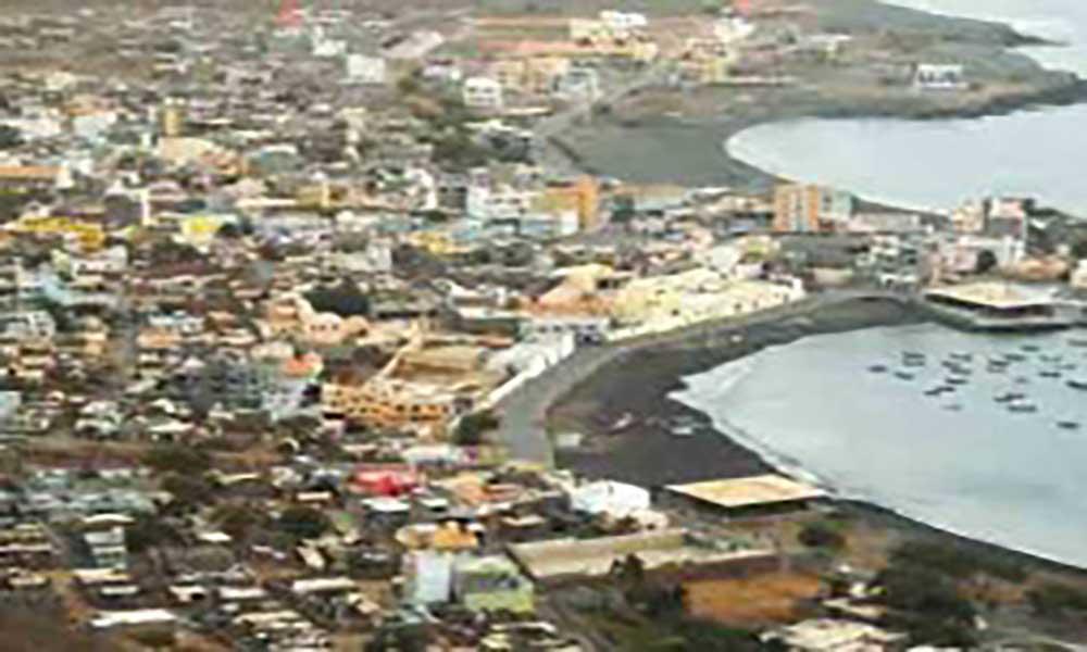 São Nicolau: Câmara Municipal do Tarrafal e empreiteiros vão reabilitar 30 moradias
