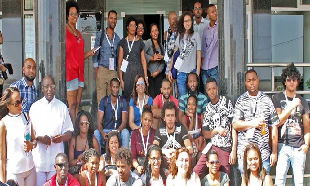 """Jovens do """"Mais Líderes"""" visitam o Jornal A NAÇÃO"""
