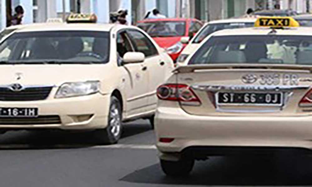 Caso de falsificação de licenças de táxi: Funcionária da CMP tenta fugir do país