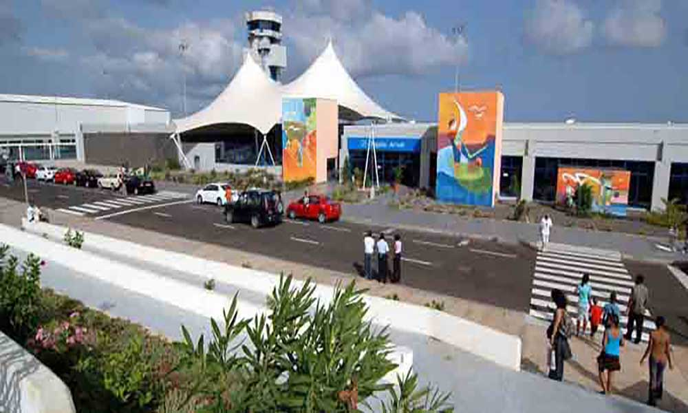 Direção de Estrangeiros e Fronteiras da PN apresenta novos carimbos/datadores e vinhetas de visto