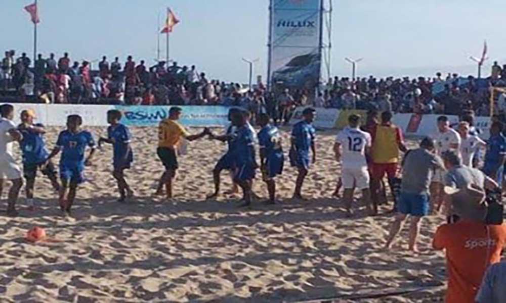 Seleção nacional de futebol de praia procura este sábado apuramento para o CAN