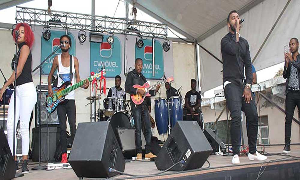 São Salvador do Mundo: Willy Semedo encerra festival musical com público ao rubro