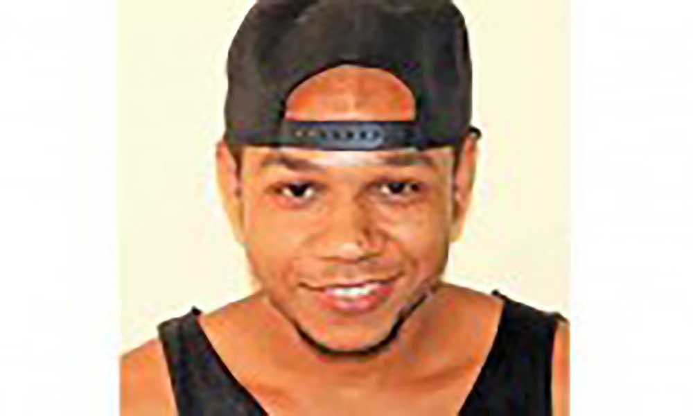 Révan Almeida é um rapper, produtor musical e pintor, natural do Tarrafal de São Nicolau