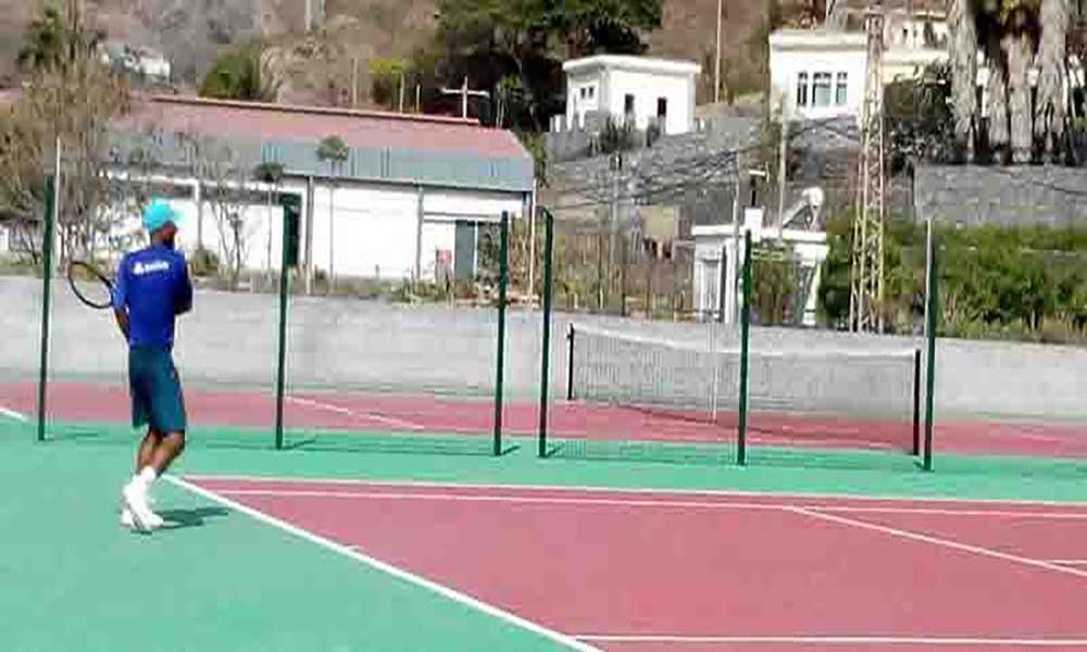 São Vicente de fora do nacional de ténis