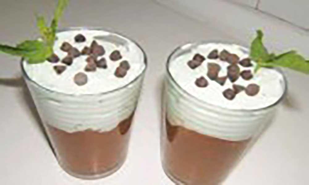 Pudim de coco semi-frio de menta e chocolate