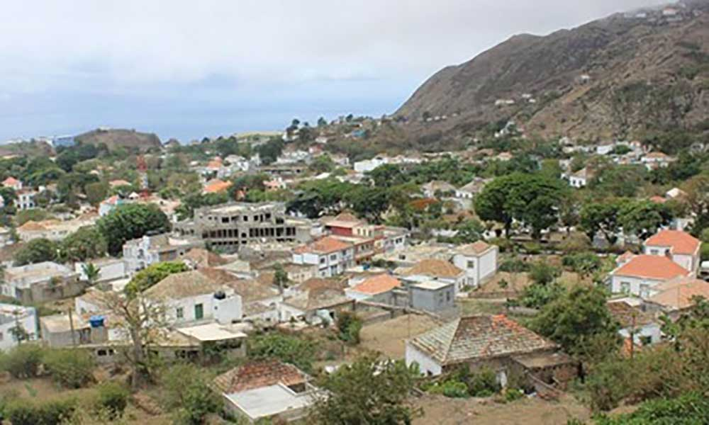 Brava: Câmara Municipal realiza campanha  de limpeza em diversos pontos da ilha