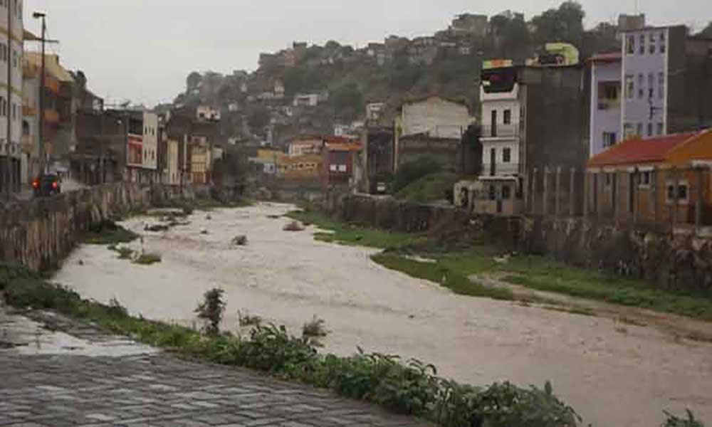 Centro Nacional de Furacões dos Estados Unidos prevê passagem de onda tropical por Cabo Verde