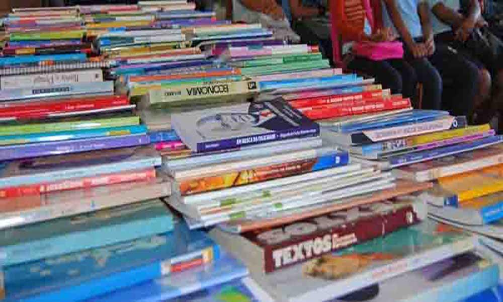 """Praia recebe primeira ação de formação em """"Gestão, Organização e Dinamização de Bibliotecas Escolares"""""""