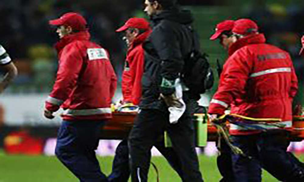 Adrien Silva sofreu traumatismo na coluna cervical