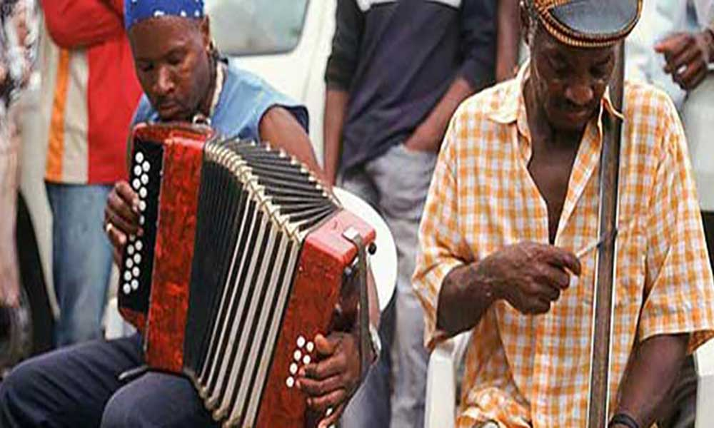 """Sociedade Cabo-verdiana de Música considera """"inédito"""" compromisso de dois agentes económicos de pagar direitos de autor"""
