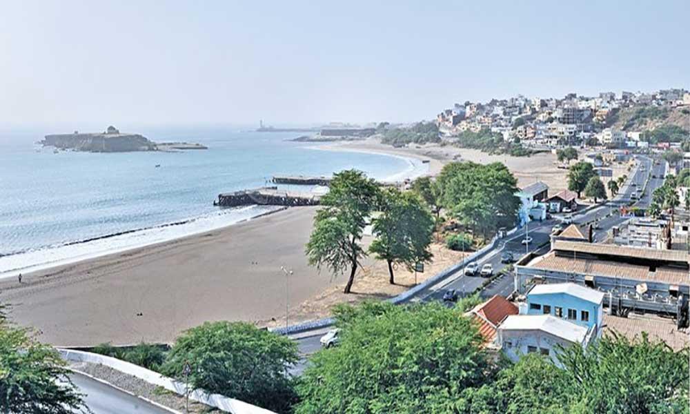 """Agências europeias elegem Praia como a segunda cidade mais """"cool"""" de África"""