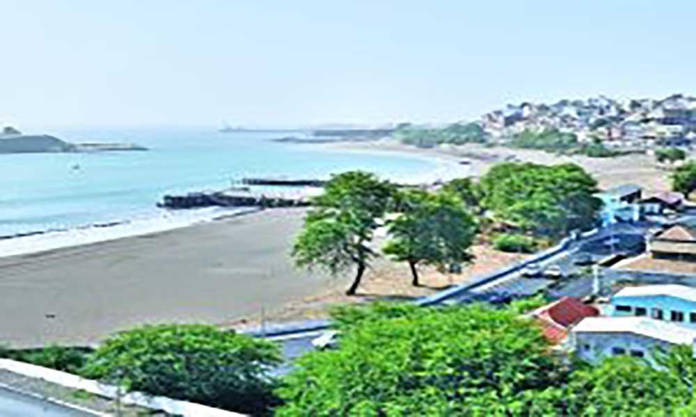 Estudo confirma contaminação e parasitas nas águas das praias de Kebra Canela Prainha e Gamboa