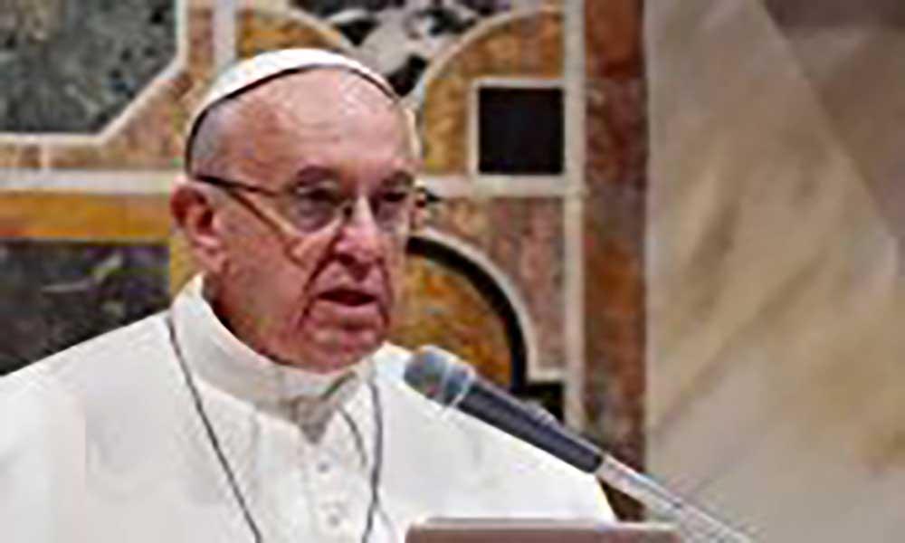 """Papa apela clero """"unido"""