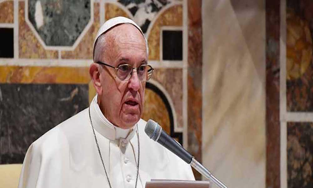 """Papa apela clero """"unido"""" para enfrentar """"corrupção escandalosa"""" no Brasil"""