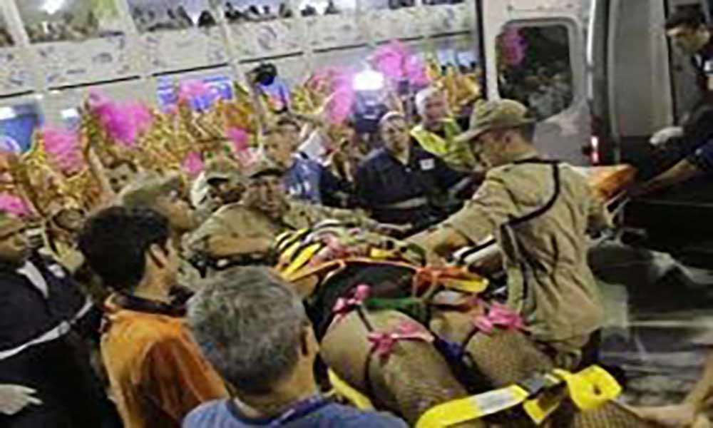 Brasil: Queda de estrutura em carro alegórico faz 19 feridos