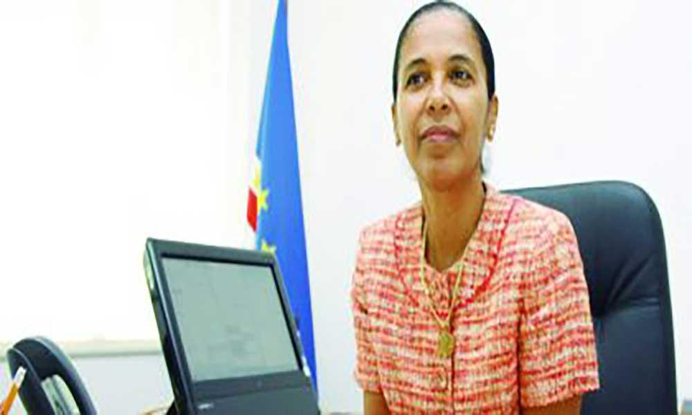 Eunice Silva chefia delegação cabo-verdiana em missão de serviço às Canárias