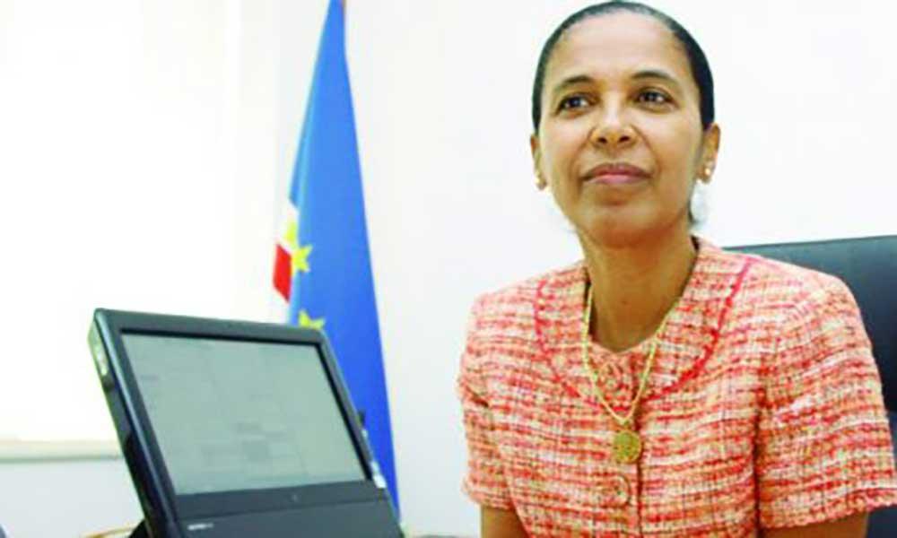Ministra Eunice Silva visita São Nicolau com programa de reabilitação em carteira