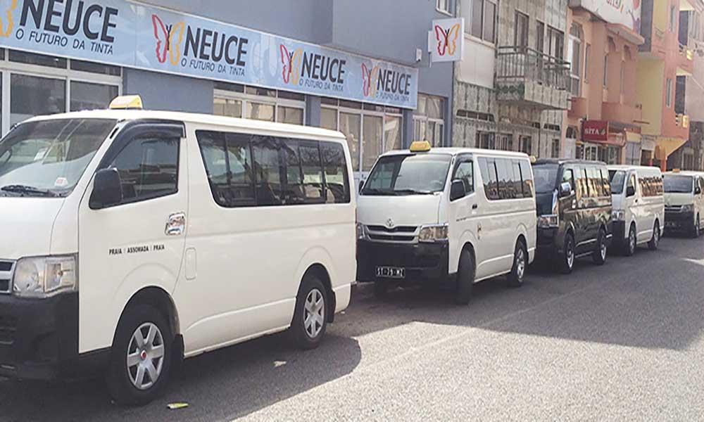 Assomada: Hiacistas manifestam-se em frente à polícia