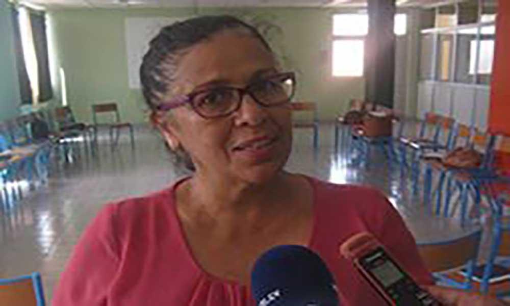 Maritza Rosabal em São Vicente para se inteirar das obras sob a sua tutela