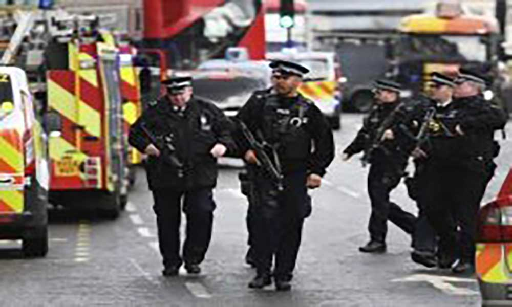 Londres: Um morto e vários feridos em suposto ataque terrorista