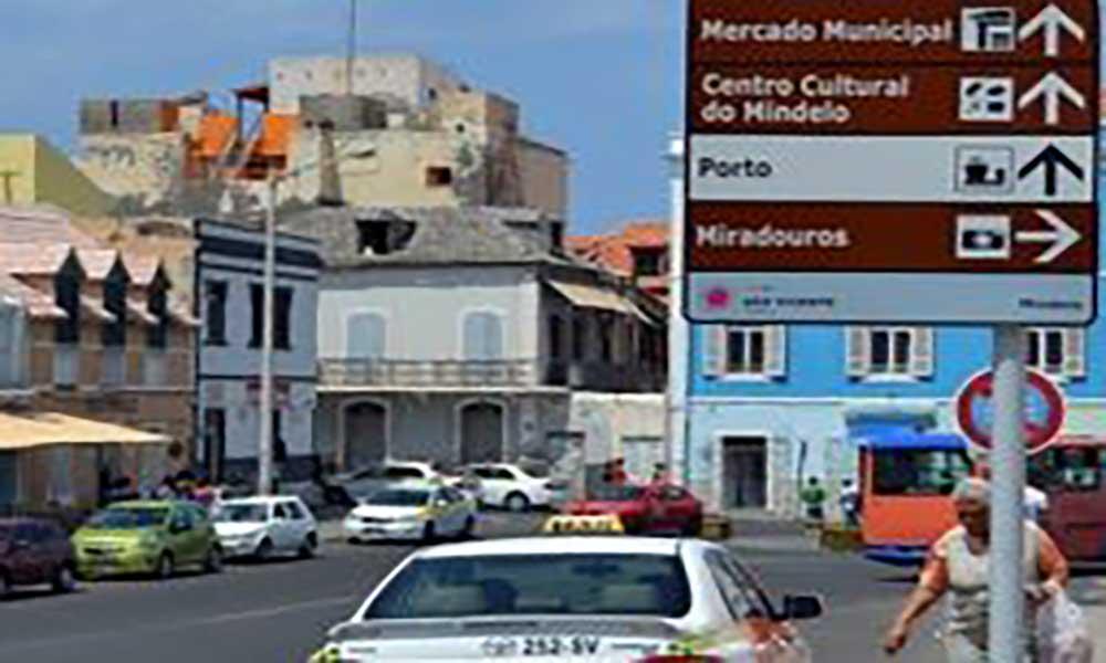 32 placas de sinalização turística colocadas em São Vicente