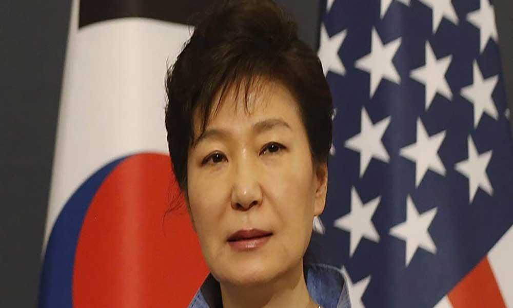 Coreia do Sul: Justiça interroga presidente demitida