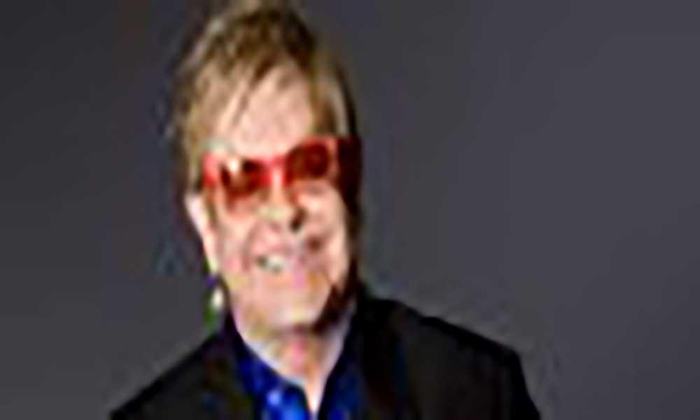 """Reino Unido: Elton John recupera de uma infecção bacteriana """"potenciamelmente mortal"""""""